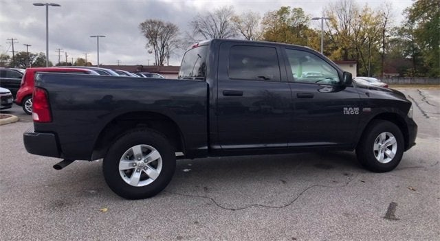 """North Olmsted Dodge >> 2018 RAM 1500 EXPRESS CREW CAB 4X4 5'7 BOX"""" in North Olmsted, OH 